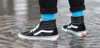 Cách hay xử lý giày dép bị ẩm ướt trong mùa mưa