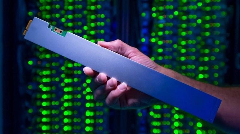 Intel ra mắt ổ cứng SSD dung lượng khủng