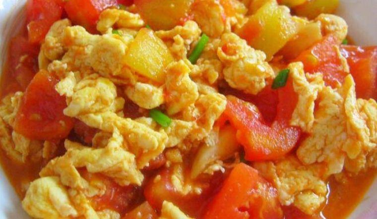 Món trứng xào cà chua ngon miệng dễ làm