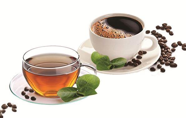 Dùng cà phê và trà