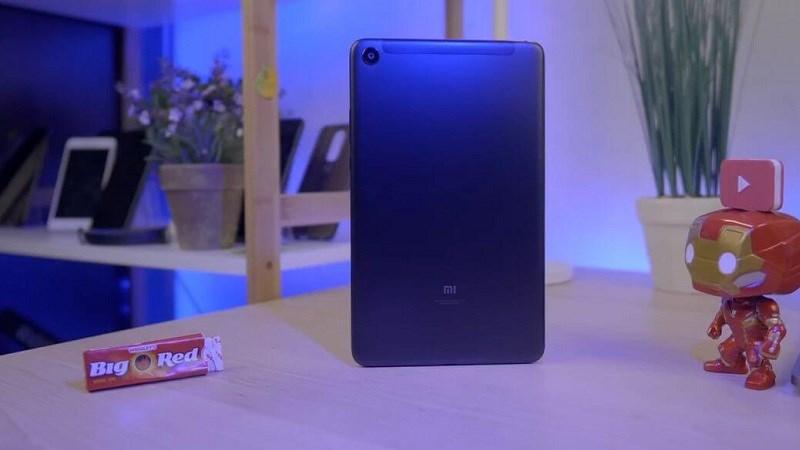 Xiaomi Mi Pad 4 Plus có thiết kế tương tự Mi Pad 4