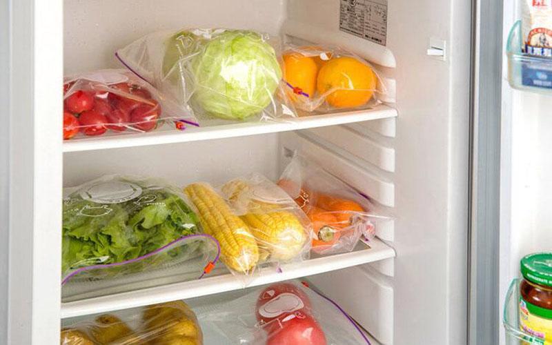 Dùng túi nilon bọc thực phẩm không đúng cách