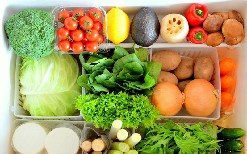 Không phân loại rau mà để tất cả vào tủ lạnh thì khi một loại rau bị hư sẽ dẫn đến các loại rau khác cũng bị hư theo hoặc mất chất dinh dưỡng.