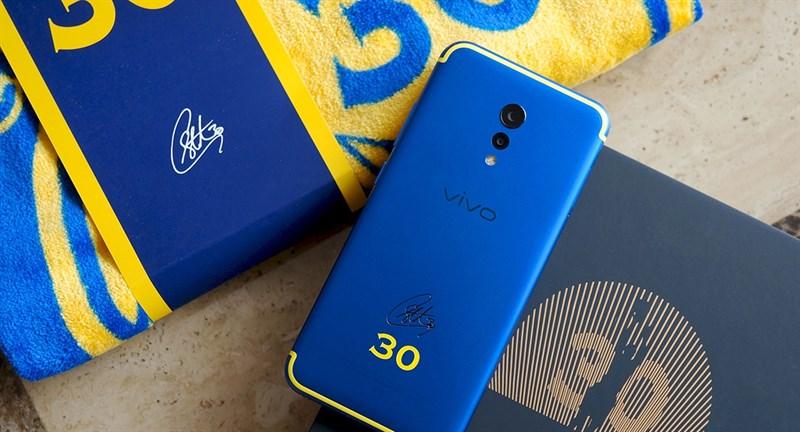 Top 10 phiên bản smartphone đặc biệt siêu ngầu trên thị trường 3