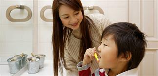 Chăm sóc răng miệng cho bé theo độ tuổi cho phù hợp