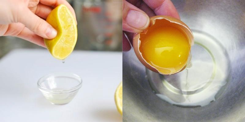 Vắt nước cốt chanh và lấy lòng đỏ trứng gà