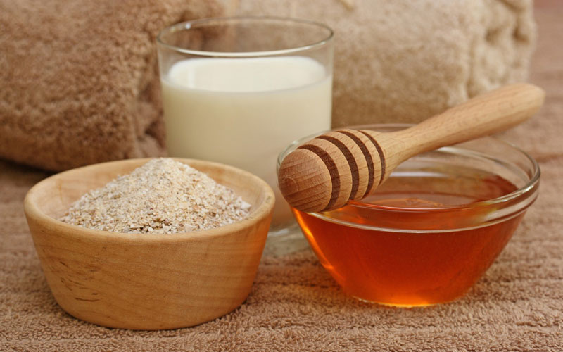 Cám gạo có tác dụng hiệu quả trong việc lấy đi lớp da chết lâu ngày