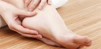 10 cách chăm sóc da chân mịn như da em bé