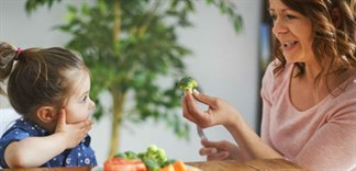 Con trẻ lười ăn rau, cha mẹ phải làm gì?