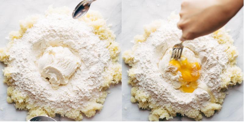 Trộn đều khoai bột, phô mai và trứng