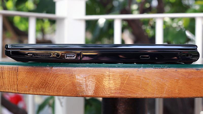 Khi chọn mua laptop, có cần quan tâm đến ổ đĩa quang không?