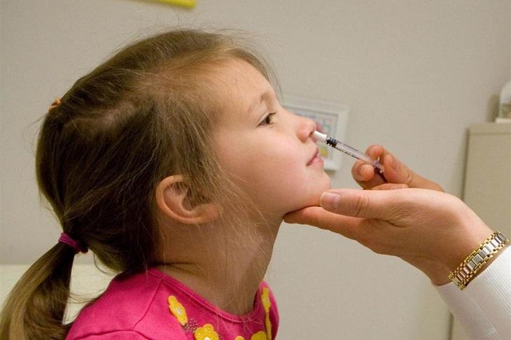 Khi có triệu chứng khó thở, thở co thắt vùng ngực thì cần đi khám ở cơ sở y tế uy tín, không nên tự ý mua thuốc điều trị