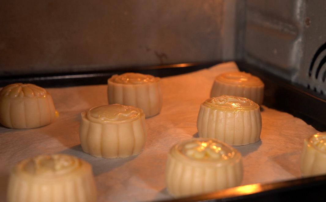 Bước 7: Nướng bánh