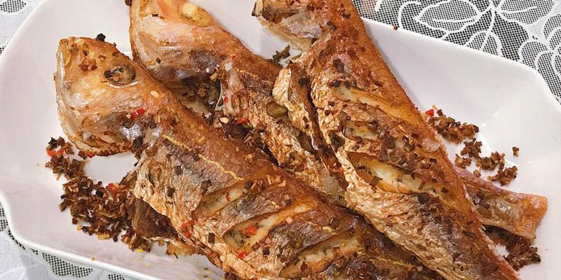 Cách chế biến món cá hường chiên sả ớt