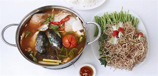 Chi tiết cách nấu lẩu đầu cá hồi măng chua cay nóng hổi, ăn là ghiền
