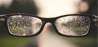 5 cách để mắt kính của bạn không bị mờ, đọng nước mỗi khi trời mưa