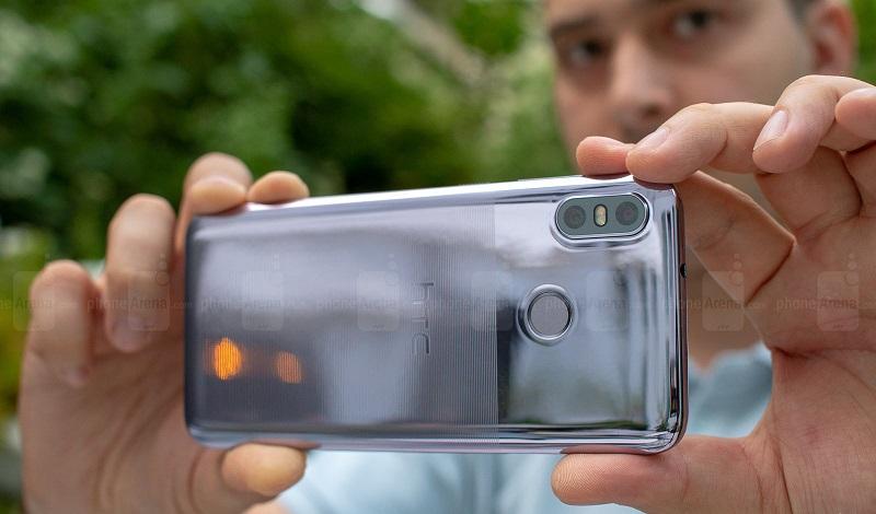 HTC U12 Life ra mắt: Thiết kế cao cấp với 2 tông màu, giá hấp dẫn