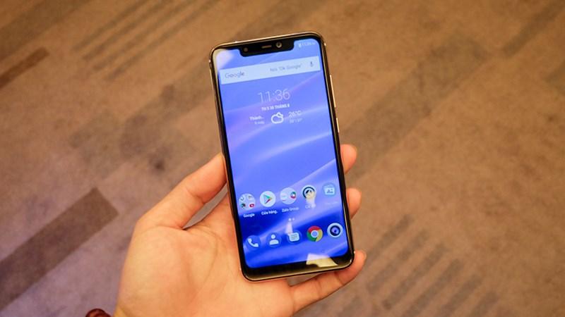 Những điểm nhấn của smartphone Việt đầu tiên có tai thỏ