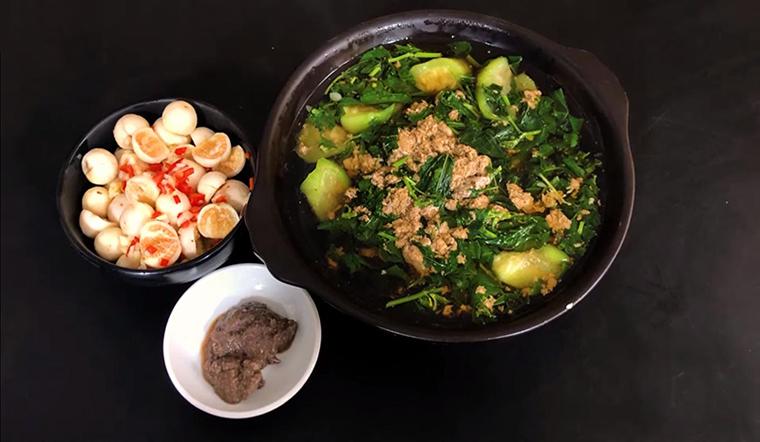 Canh cua rau đay mồng tơi mướp, món ăn dân dã cho ngày hè nóng bức