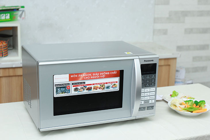 Vì sao lựa chọn lò vi sóng để hâm nóng thức ăn