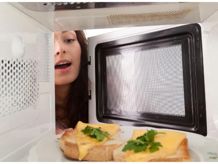 Tại sao phải hâm nóng thức ăn trước khi ăn
