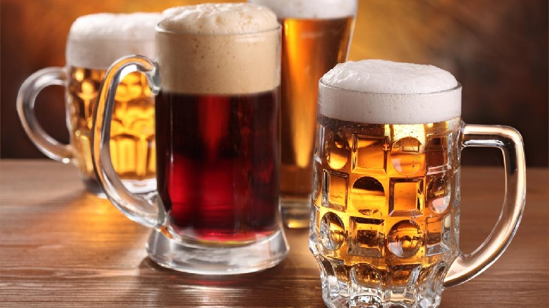 Khi uống thuốc nếu dùng thêm bia rượu sẽ làm gan bị tổn thương