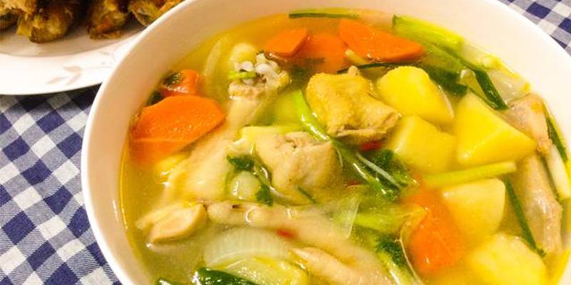 Cách nấu canh gà rau củ thơm ngon cho cả nhà