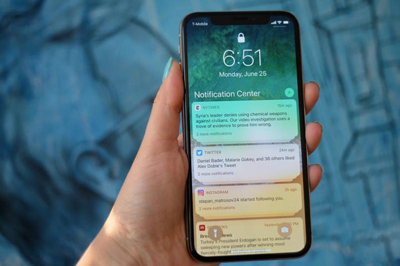 Rview chiếc điện thoại iphone X đến từ Apple 2