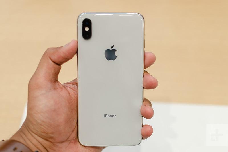 Trên tay và đánh giá nhanh iPhone XS Max: Không thể tuyệt vời hơn - Tren  tay va danh gia nhanh iPhone XS Max- Khong the tuyet voi hon - daubao.com
