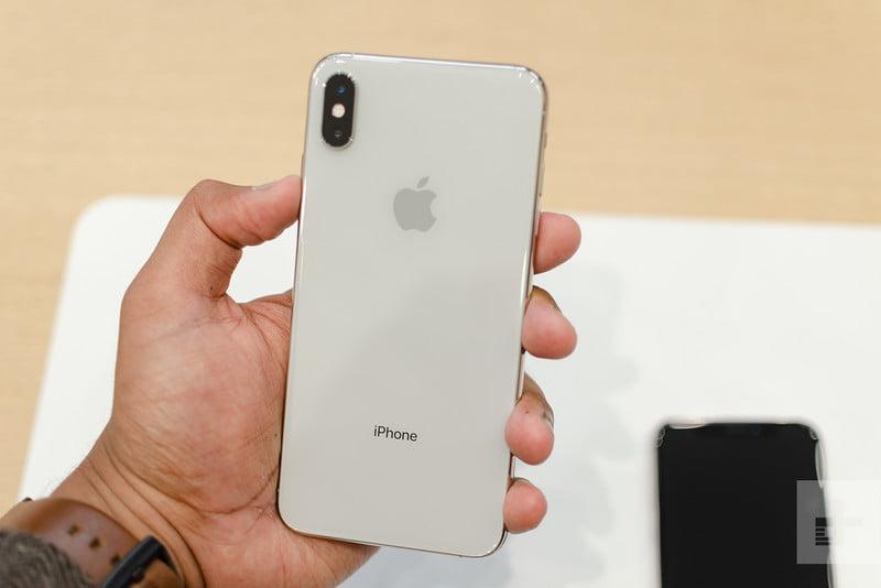 Trên tay và đánh giá nhanh iPhone XS Max: Không thể tuyệt vời hơn –  Showroom123