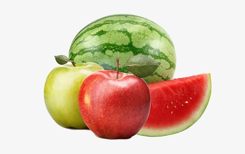 """Táo và dưa hấu là những """"kẻ thù"""" của nhau. Táo và dưa hấu đều ưa môi trường dịu mát trong tủ lạnh, nhưng khí ethylene – chất khí có thể làm chín rau quả và làm rau quả dễ bị hư hỏng hơn từ táo sẽ khiến dưa hấu mau bị xốp và nẫu."""
