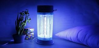 Đèn bắt muỗi hoạt động như thế nào? Có nên mua hay không?