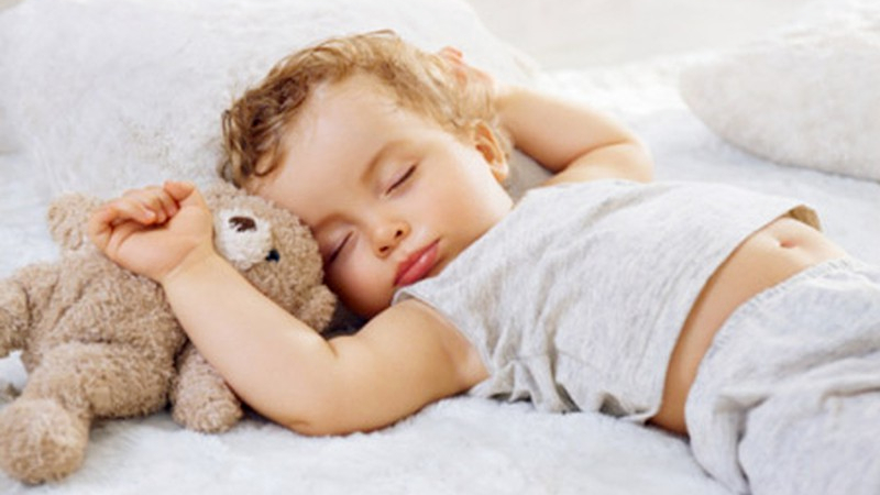 Nâng cao đầu khi ngủ sẽ làm giảm các triệu chứng khó chịu của nghẹt mũi