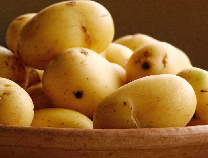Bảo quản khoai tây tránh mọc mầm