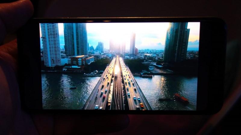 Nokia 7.1 có màn hình HDR chất lượng hơn cả iPhone Xs, Xs Max