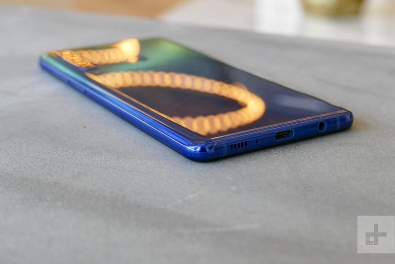 Trên tay và đánh giá nhanh Galaxy A9 (2018): 4 camera đa năng, thiết kế cao cấp… - ảnh 11