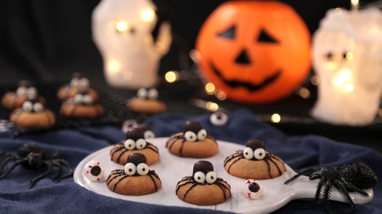 Chi tiết cách làm bánh cookie nhền nhện Halloween siêu dễ cưng