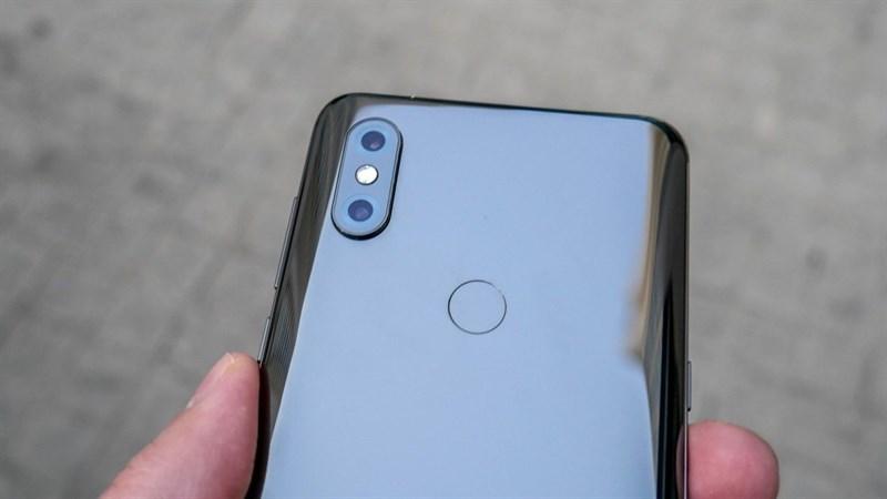 CEO Xiaomi và Huawei tranh luận với nhau về camera trên smartphone cao cấp