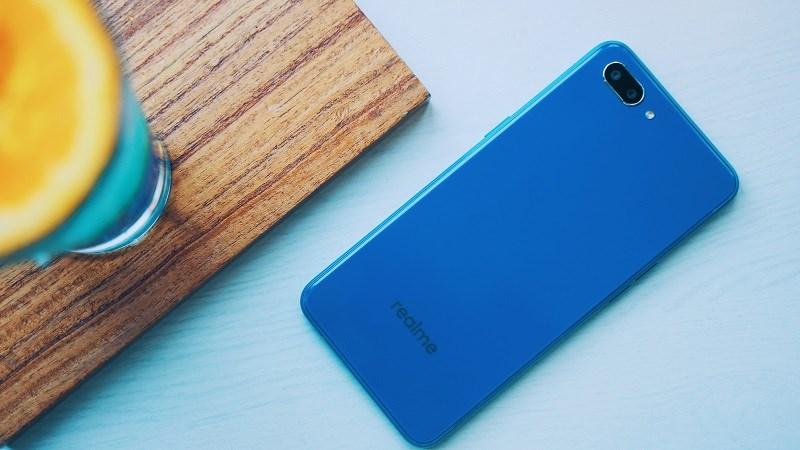 Realme C1 giá chưa tới 2 5 triệu, mua về làm được những gì?