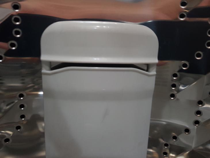 Khe dẫn nước - Máy giặt Panasonic 10 kg NA-F100V5LRV