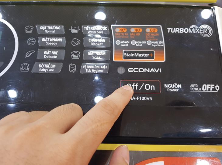 Bảng điều khiển - Máy giặt Panasonic 10 kg NA-F100V5LRV