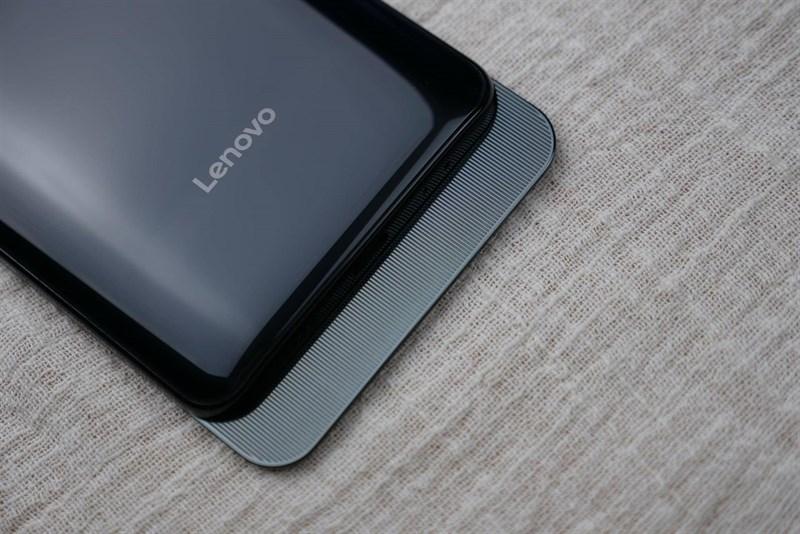 Trên tay Lenovo Z5 Pro: Màn hình trượt, vân tay dưới màn hình, 4 camera - ảnh 7