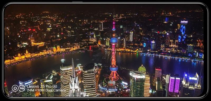 Trên tay Lenovo Z5 Pro: Màn hình trượt, vân tay dưới màn hình, 4 camera - ảnh 11