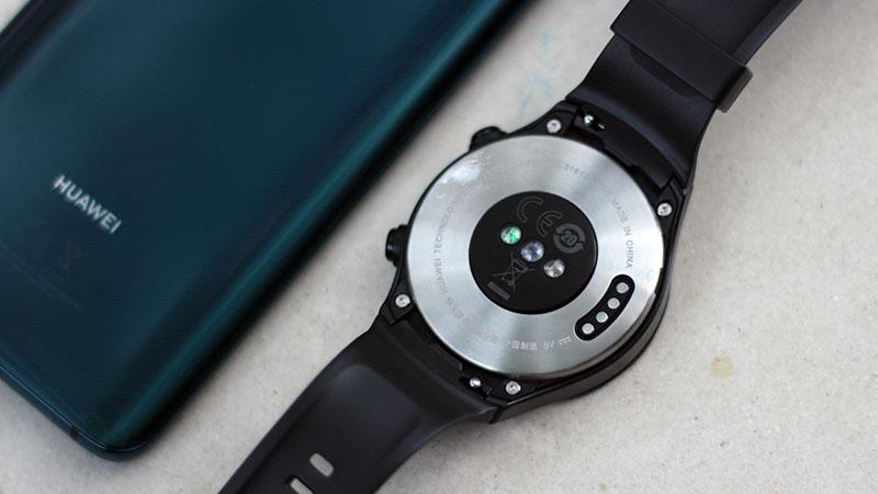 Đánh giá Huawei Watch 2: Thiết kế thời trang, chạy mượt, pin lâu - ảnh 5