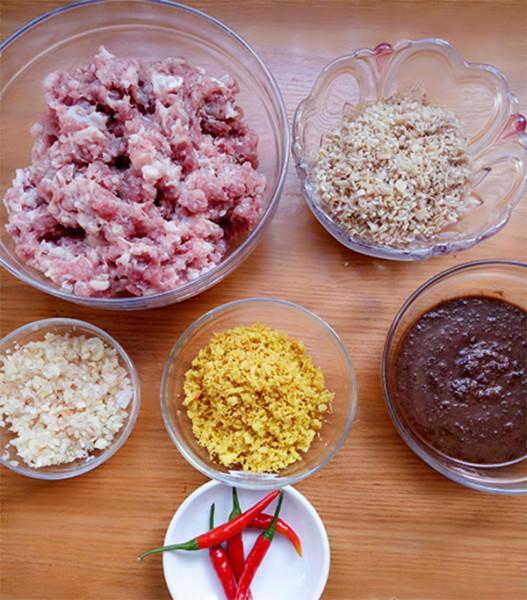 Nguyên liệu và dụng cụ cần chuẩn bị làm mắm ruốc xào thịt bằm