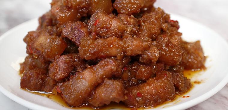 Cách làm mắm ruốc xào thịt ba chỉ cho bữa cơm thêm ngon vào những ngày lạnh