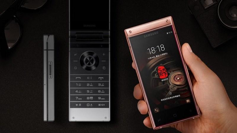 Samsung W2019 ra mắt: Màn hình kép, camera kép, Snapdragon 845