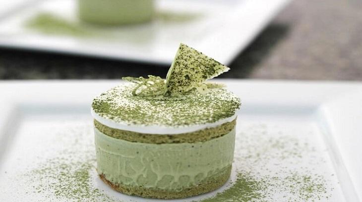 Gelatin có tác dụng gì khi làm bánh?