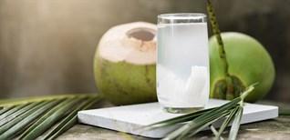 Công dụng và lưu ý khi uống nước dừa, nước dừa để sau một ngày có nên uống không?