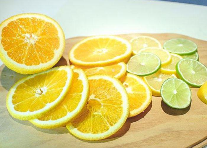Đuổi gián bằng vỏ cam, chanh, dưa leo